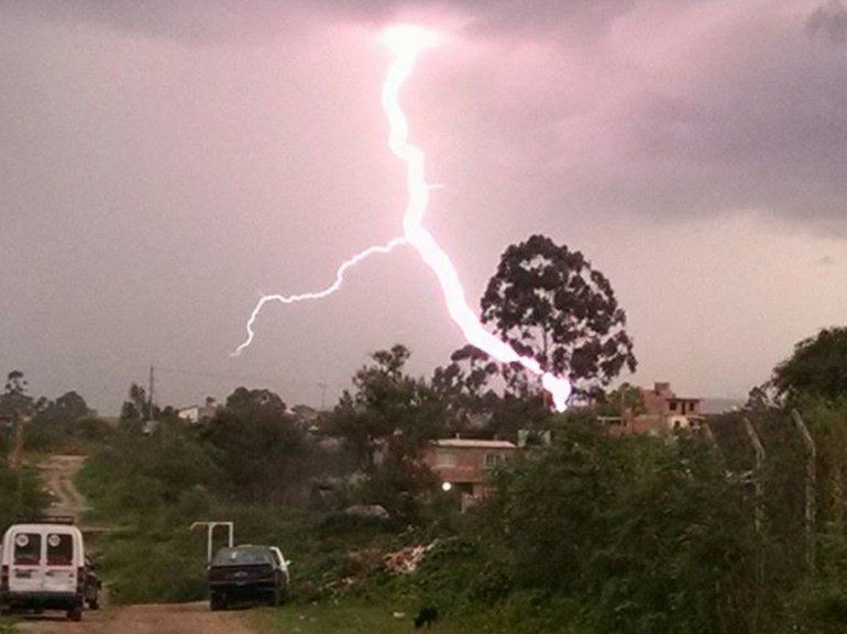 Alerta meteorológico por tormenta eléctrica y granizo en la provincia