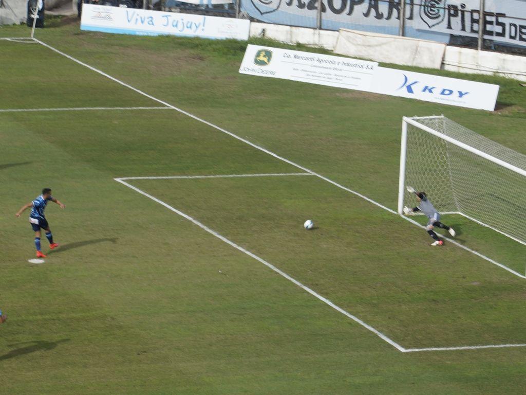 Gol de Luis Vila