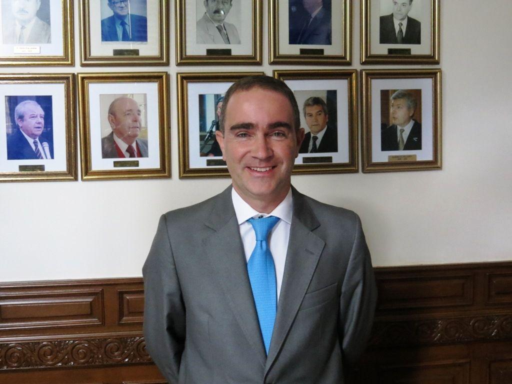 Dr. Fernando Zurueta