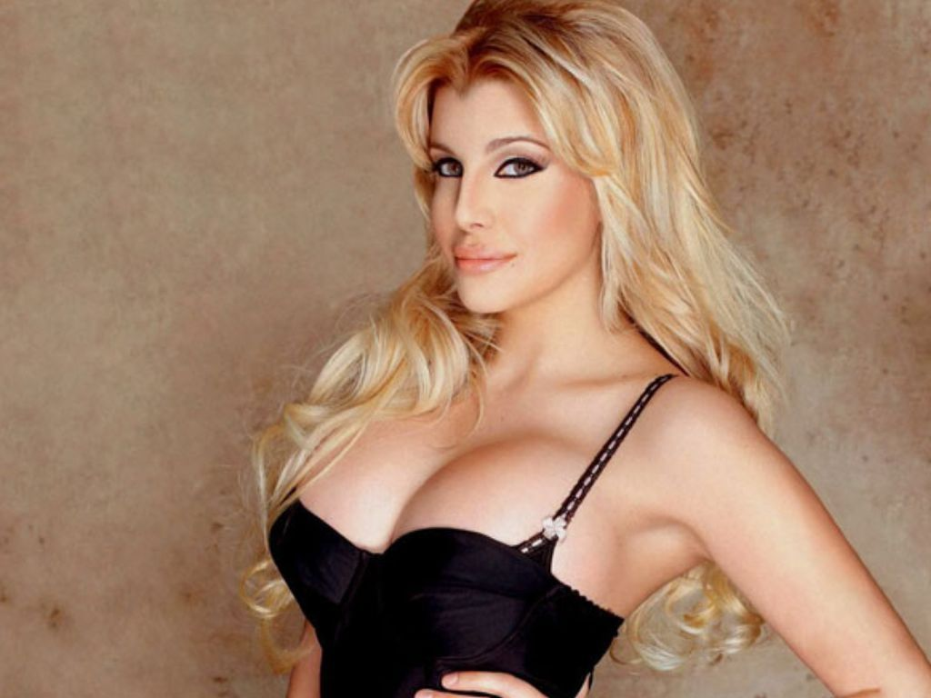 Video Charlotte Chaniggia naked (87 photo), Topless, Cleavage, Selfie, butt 2019