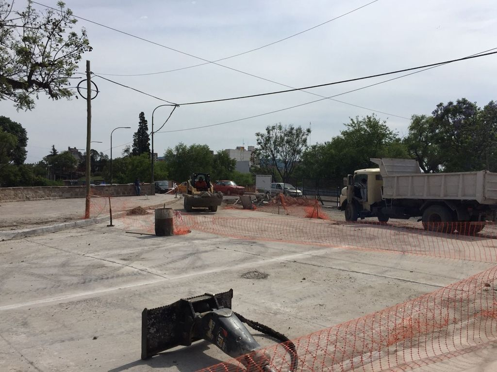 Pavimentación parcial de la Av. Hipólito Yrigoyen: ¿para cuándo la habilitación?