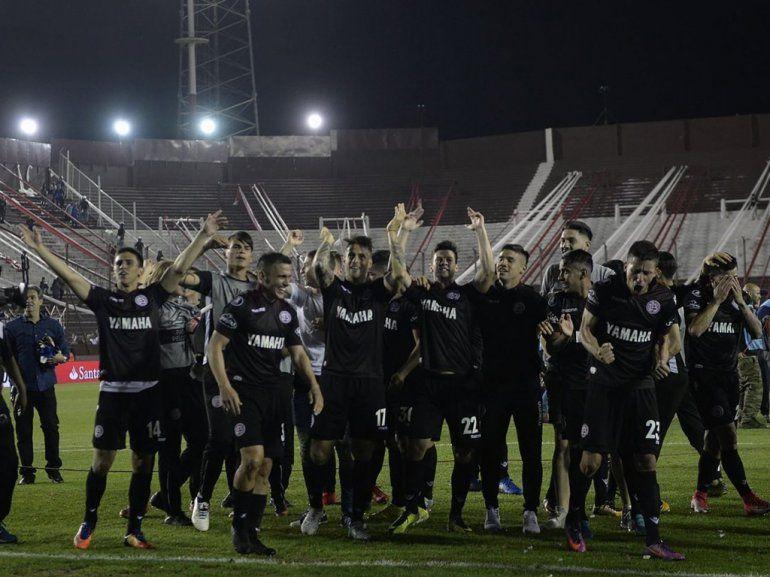 En su hora más gloriosa: Lanús juega la primera final de la Libertadores
