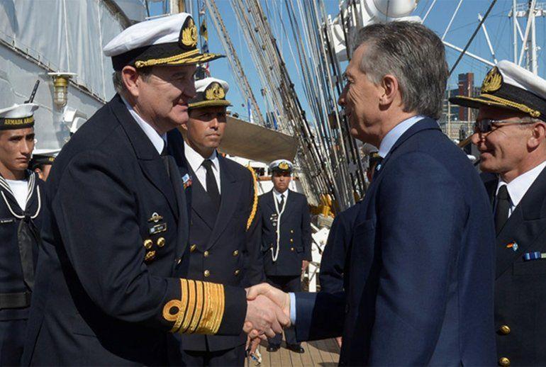 El Gobierno evalúa cambiar la cúpula de la Armada por la desaparición del submarino