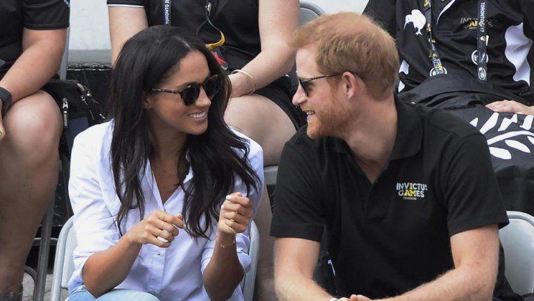 El príncipe Harry se casa con una actriz de EE.UU