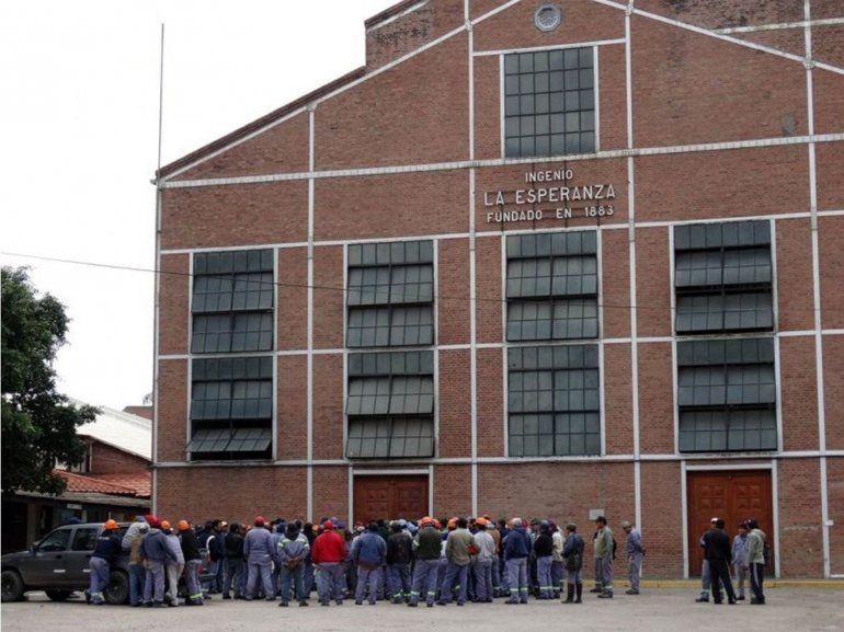 Los trabajadores tomaron las instalaciones de la fábrica, rechazando los despidos