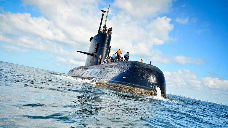Suspendieron a un alto oficial de la Armada y otros 4 pidieron el pase a retiro