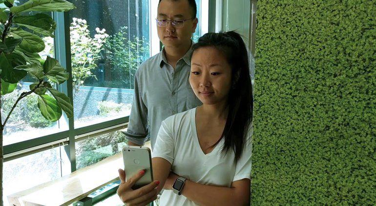 La Inteligencia Artificial de Google sabe cuándo un extraño está mirando lo que haces en tu celular