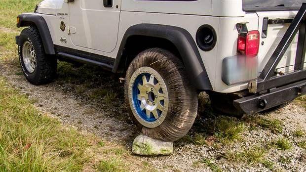 Esta sería la rueda ideal para autos porque no se desgasta, no sufre pinchaduras y pueda ser utilizada en cualquier superficie