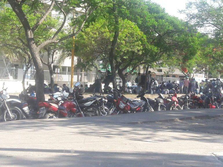 Ingenio La Esperanza: obreros protestan frente a los Tribunales de San Pedro