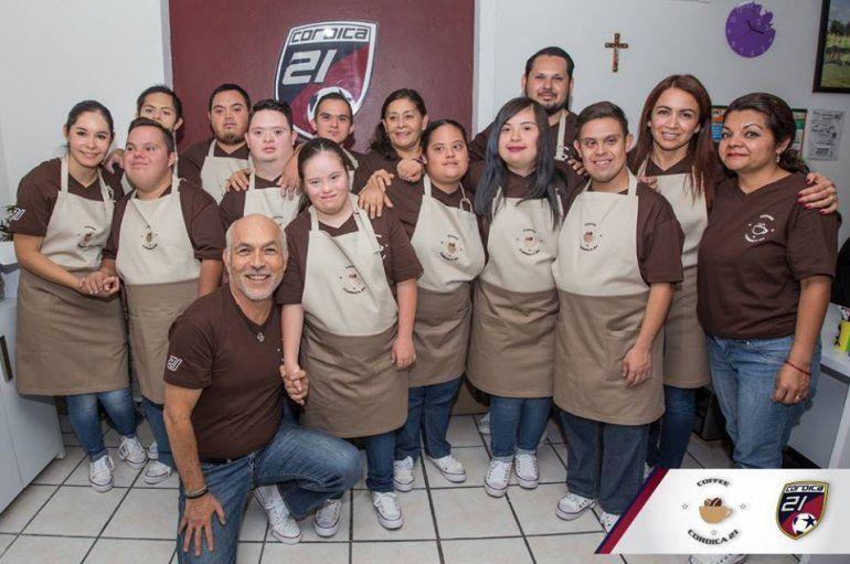 Cafetería atendida por chicos con síndrome de Down
