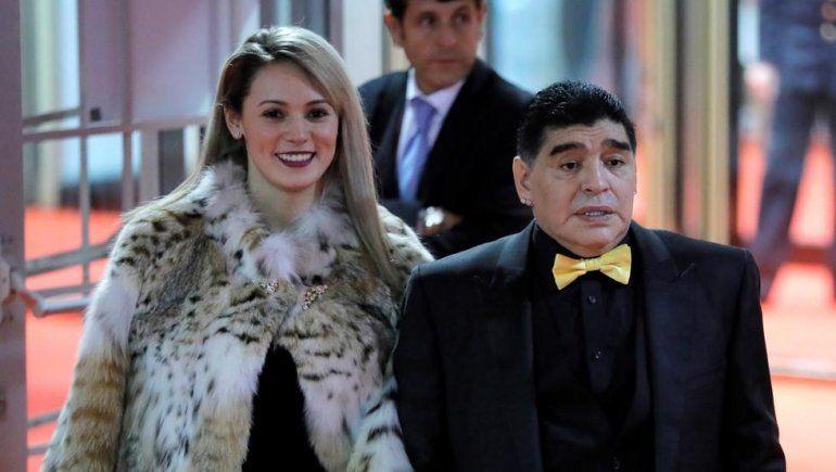Destrozaron a Maradona y Oliva por su look en el sorteo del Mundial