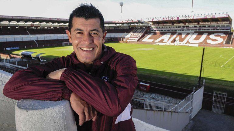 Jorge Almirón anunció su salida de Lanús tras la derrota en la final de la copa