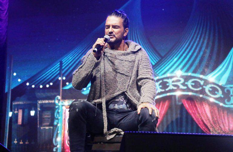 Cierra con llenos totales su gira por Argentina donde presentó Circo Soledad