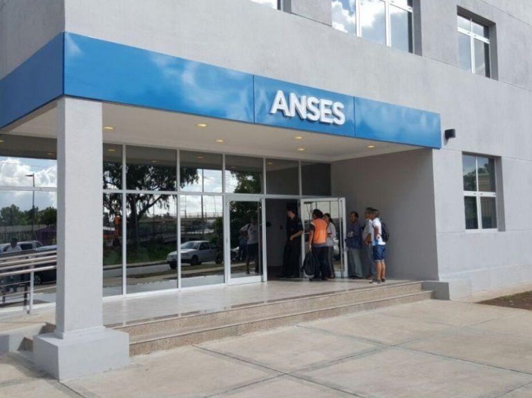 La ANSES inició con el pago del medio aguinaldo con los haberes de diciembre