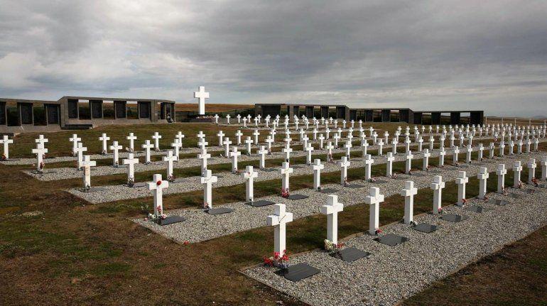 Identificaron a 88 soldados argentinos caídos en Malvinas y notifican a los familiares