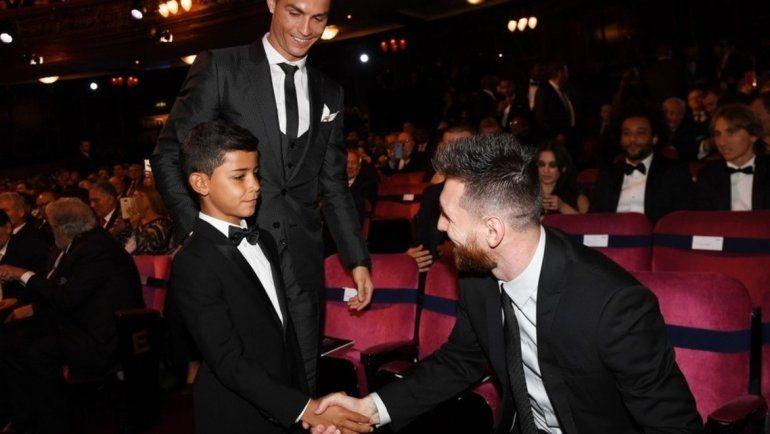 El hijo de Ronaldo estrenó Instagram: Messi sos mi ídolo