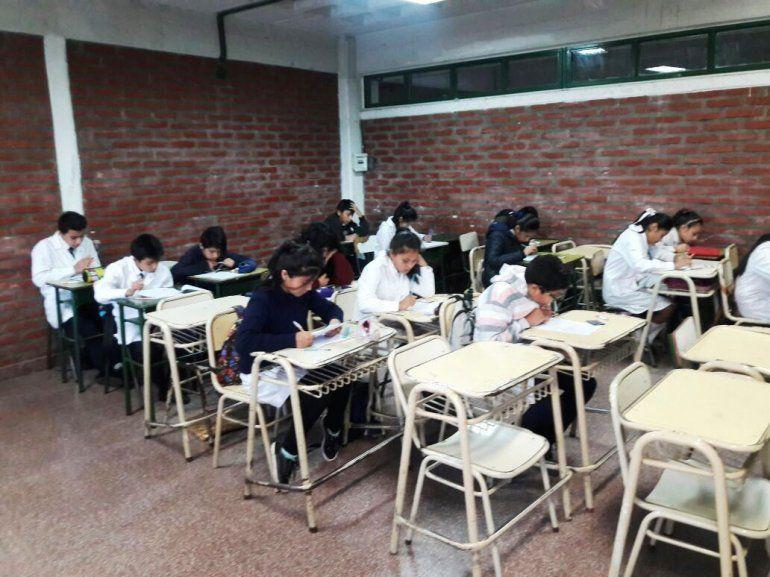 Hoy reubican de alumnos que no ingresaron en los colegios donde se rendía