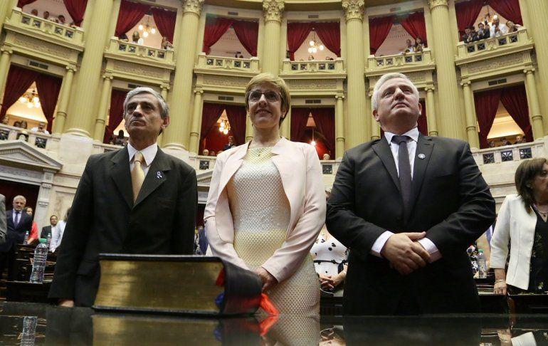 Juraron los diputados nacionales electos: Burgos, Monaldi y Martiarena