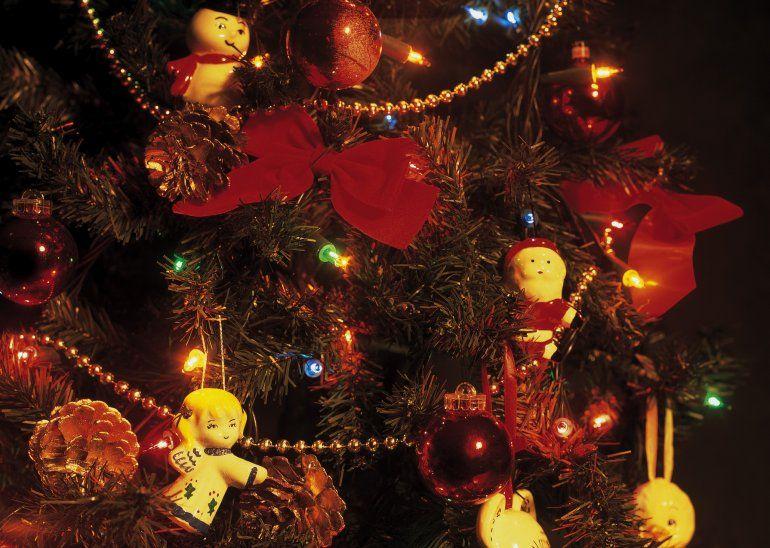 Se armó el arbolito de navidad y te contamos qué significan sus adornos