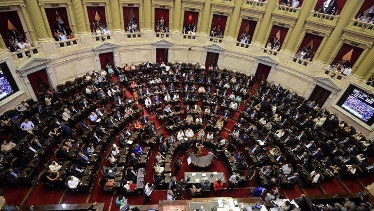 La oposición busca dictamen en el Senado para aprobar el freno a la suba de tarifas
