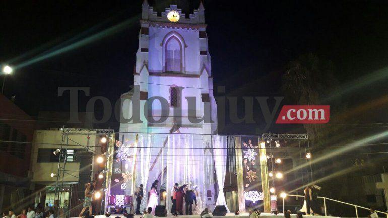 ¡San Pedro de fiesta! Más de 1000 egresados realizan la Cena Blanca