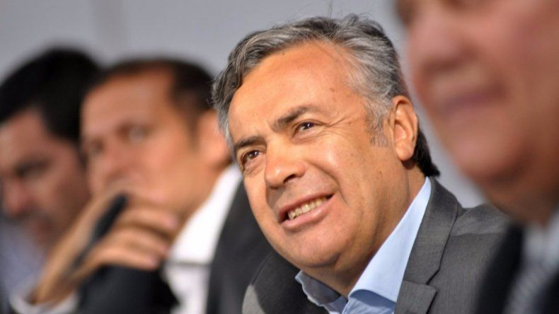 El gobernador mendocino Alfredo Cornejo sserá el nuevo presidente de la UCR