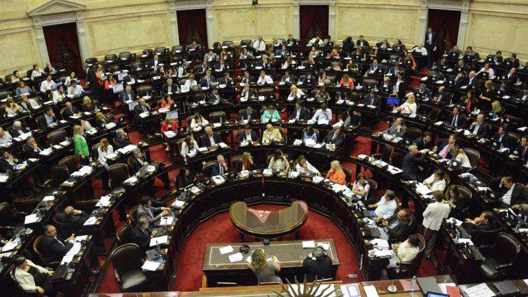 Más de $ 45.000 millones debió ceder el Gobierno para aprobar las reformas