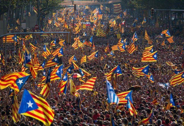 Cataluña decide su futuro en comicios claves para el país y la región