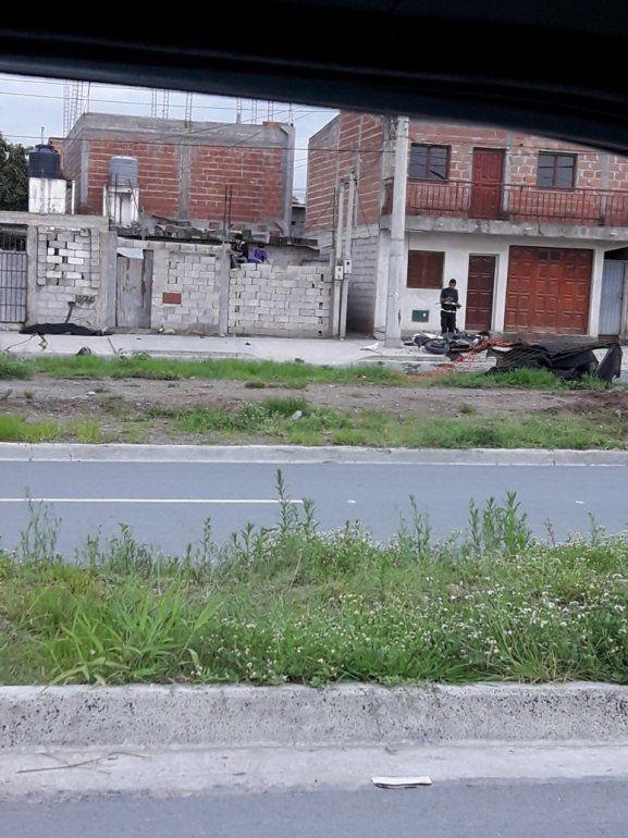 Accidente fatal en avenida Forestal: perdió el control de la moto y cayó sobre la vereda
