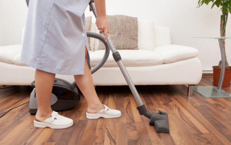 A partir de este mes aumentan los aportes para las empleadas domésticas