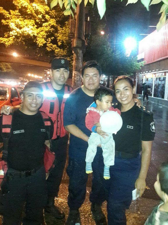 Los bomberos le salvaron la vida a un bebé que se atragantó en las vísperas al Año Nuevo