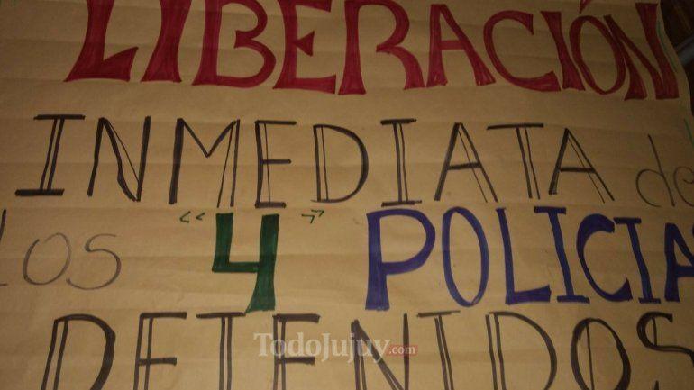 Familiares de los policías imputados: Queremos justicia, sabemos que son inocentes