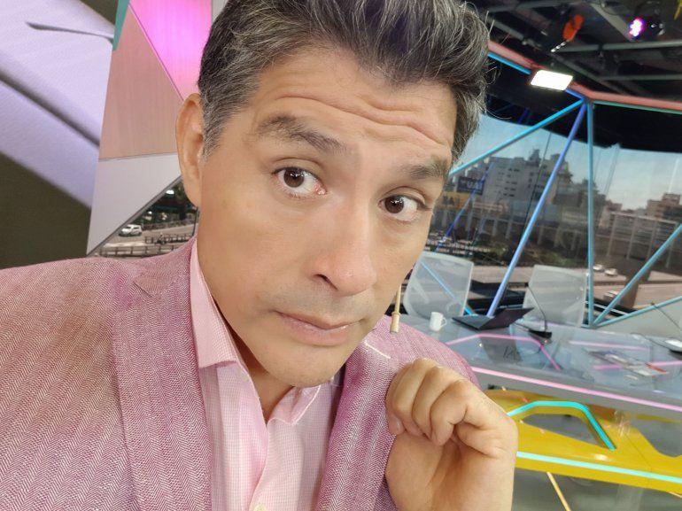 Guillermo Lobo fue blanco de criticas por su look pink