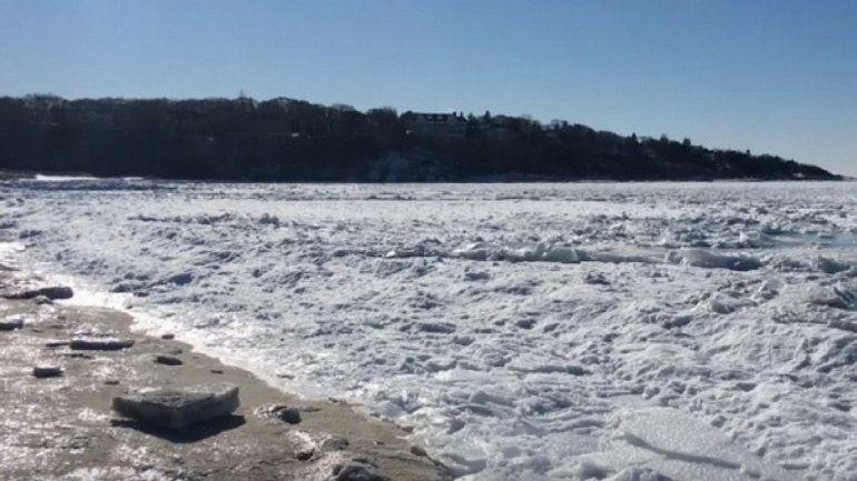 ¡Mirá las impactantes imágenes del congelamiento del mar en Massachusetts capturadas por un dron!