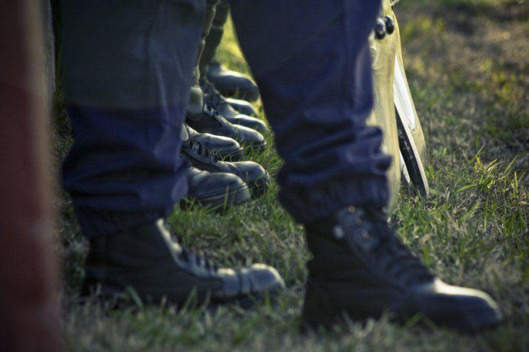 Dos agresiones a policías, en Coronel Arias y en Alto Comedero