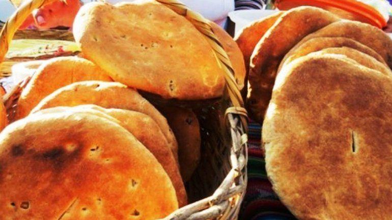 Se realiza la feria del pan casero, artesanías y folclore en Yala
