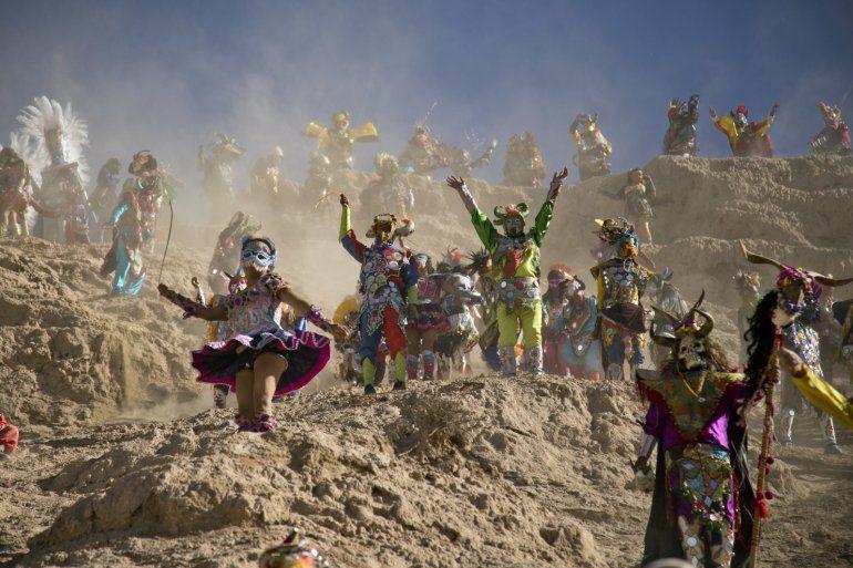 Con perfumito a albahaca: ritos, creencias y costumbres del carnaval jujeño