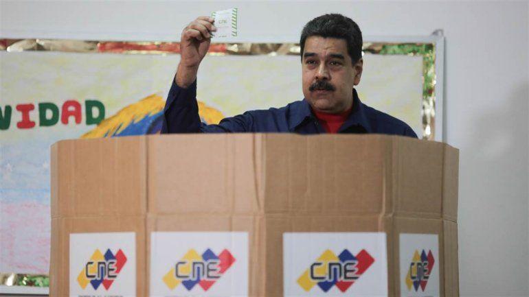 Venezuela adelanta las elecciones presidenciales, que serán antes del 30 de abril