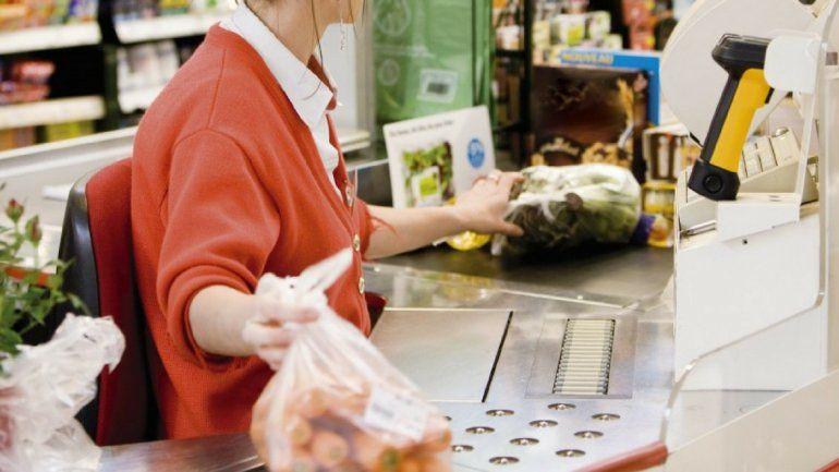 El sueldo para los empleados de comercio subirá un 6%