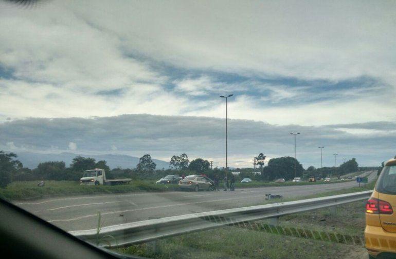 Choque en la autopista entre San Salvador y Palpalá: circular con precaución