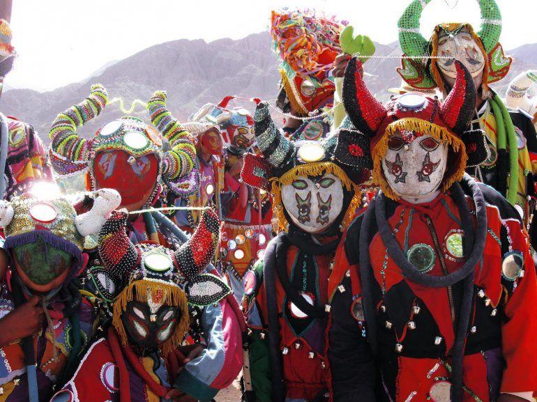 Llegó el día compadres: amistad, alegría y diversión en la previa del Carnaval