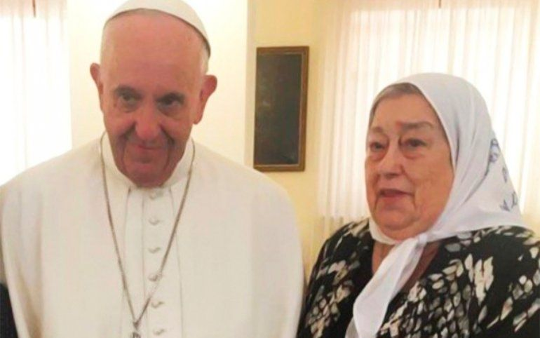 El Papa envió una carta a Hebe y la comparó con Jesús: No hay que temer a las calumnias