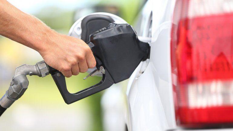 Se suman a YPF: Axion y Petrobras aumentan hasta 3% las naftas