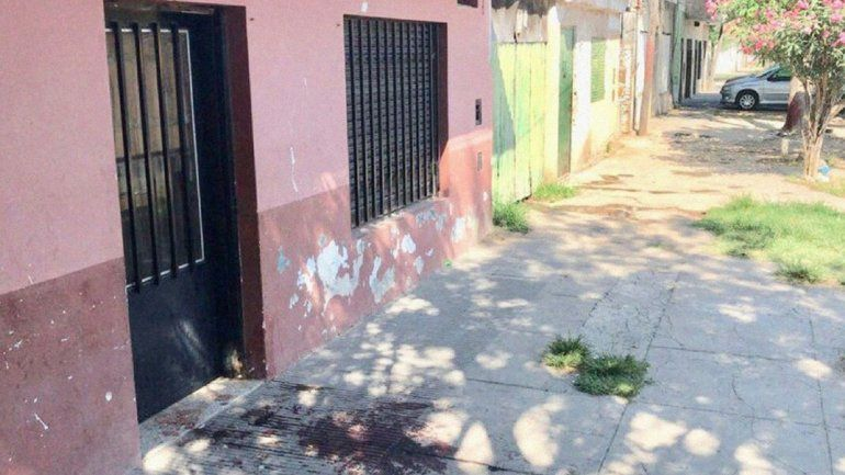 Violencia sin control en Rosario: asesinaron a balazos a un hombre y a su hijo de tres años