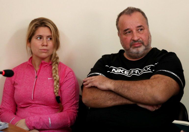 La hija menor de Marcelo Balcedo fue mordida por una serpiente venenosa y está delicada