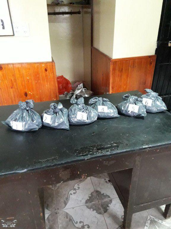 Secuestraron más de 5 kilos de cocaína en ollas con doble fondo