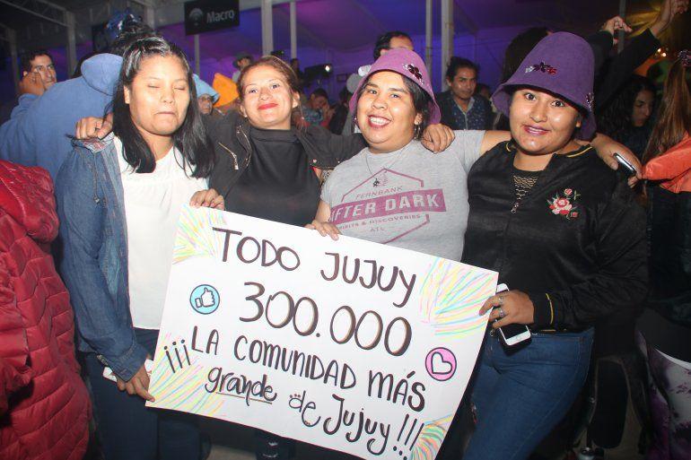 El público festejó los 300 mil seguidores de TodoJujuy.com en pleno carnaval