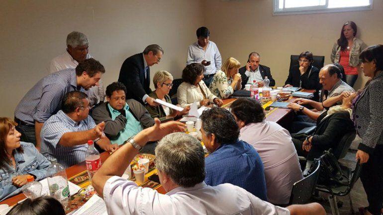 En Buenos Aires ofrecerían un 15% a docentes. En Jujuy el Ministro de Trabajo dijo que lo que pase allí es referencia