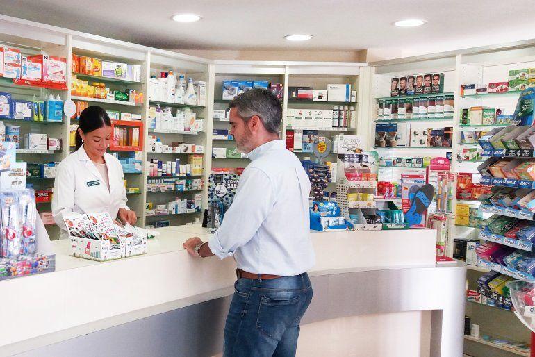 Farmacias de todo el país amenazan con dejar de atender a afiliados del PAMI
