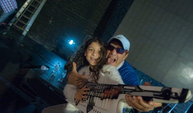 La hija de Pablo Lescano debutó en la música y la rompió